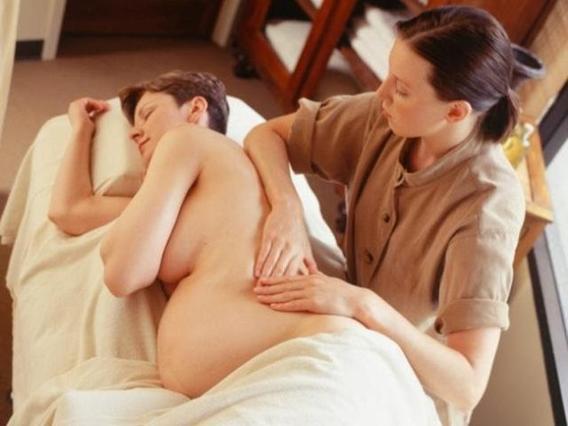 Массаж спины беременным