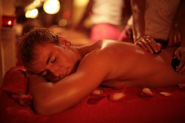 Как сделать эротический массаж парню?