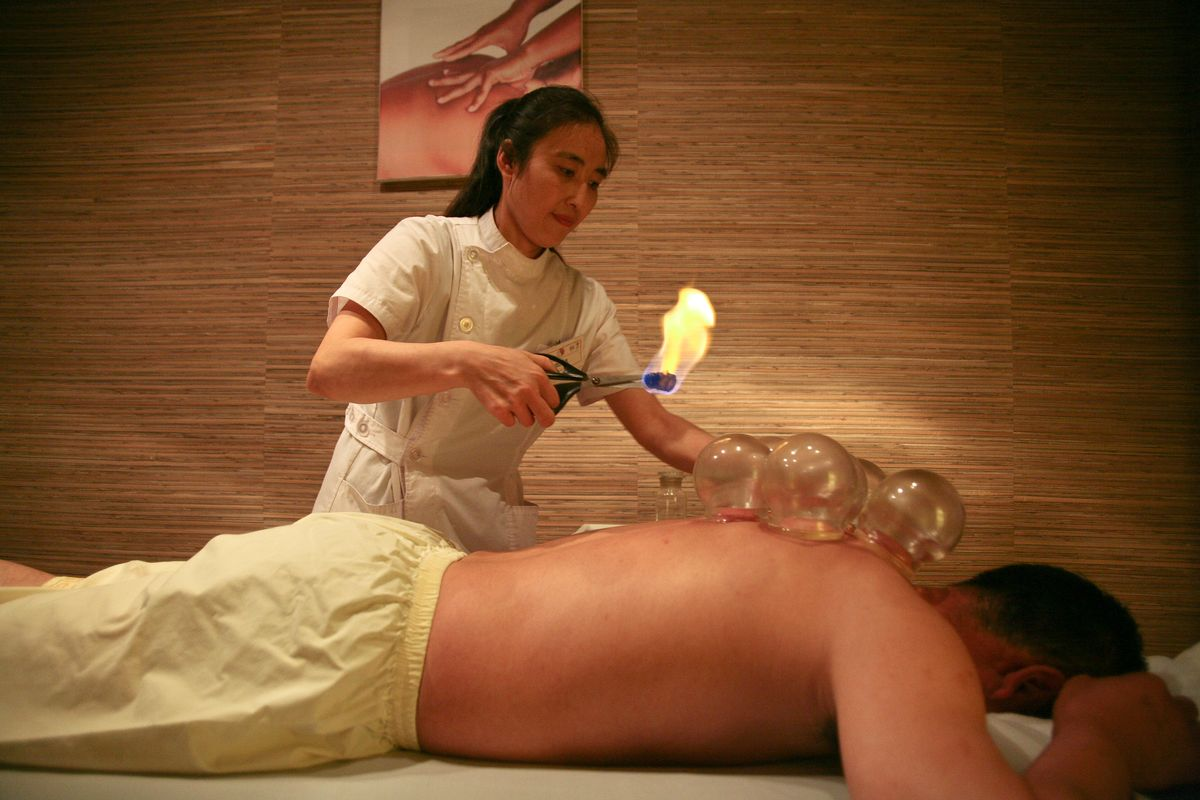 Баночный массаж в салоне