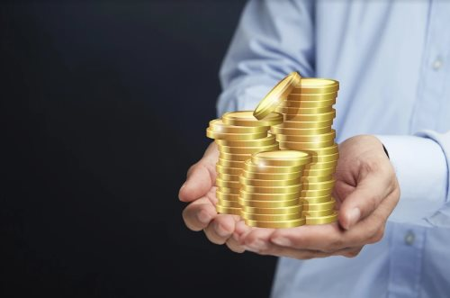 деньги монеты столбики